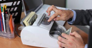 ماكينات عد النقود
